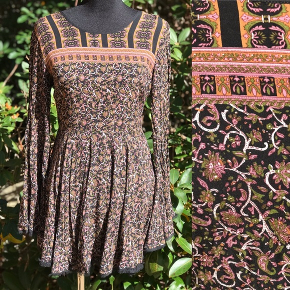 Ecote Dresses & Skirts - Urban Outfitters Bell Sleeve Dress India Print 6